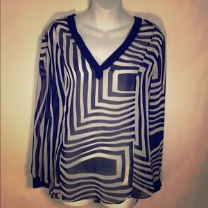 DKNYC Navy and White Pattern Blouse L